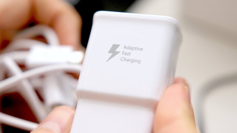 androidpit-samsung-fast-charger-note-5